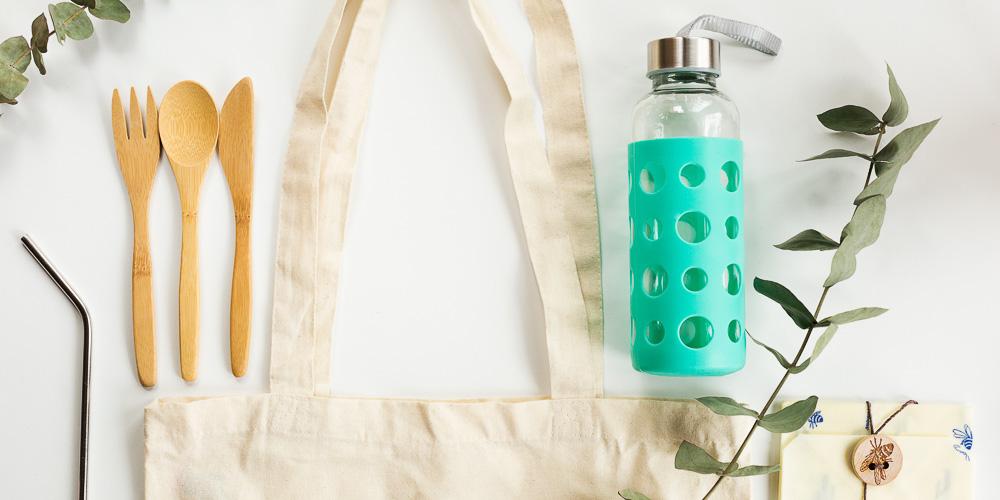 Kit minimaliste, paille en inox, gourde en verre, couverts en bois,sac en tissu