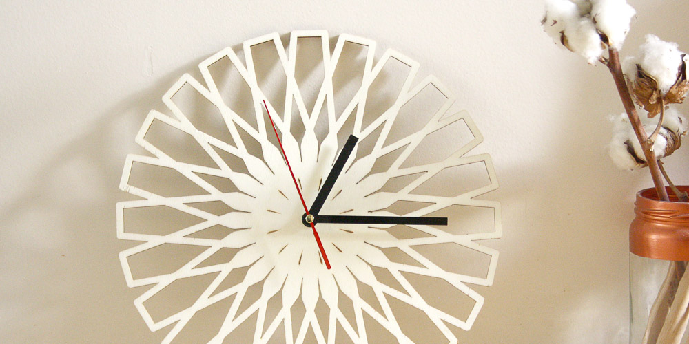 horloge en bois graveuse laser