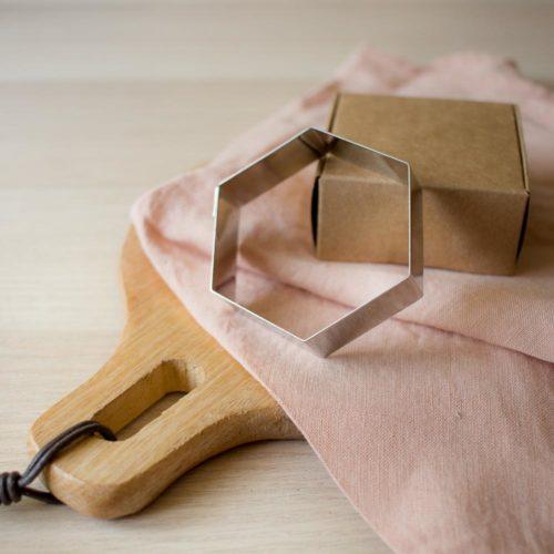 Emporte piece hexagone – Pause Moderne