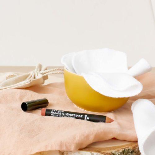 Crayon à lèvres Argile Rose AVRIL BIO et ses 3 lingettes démaquillantes