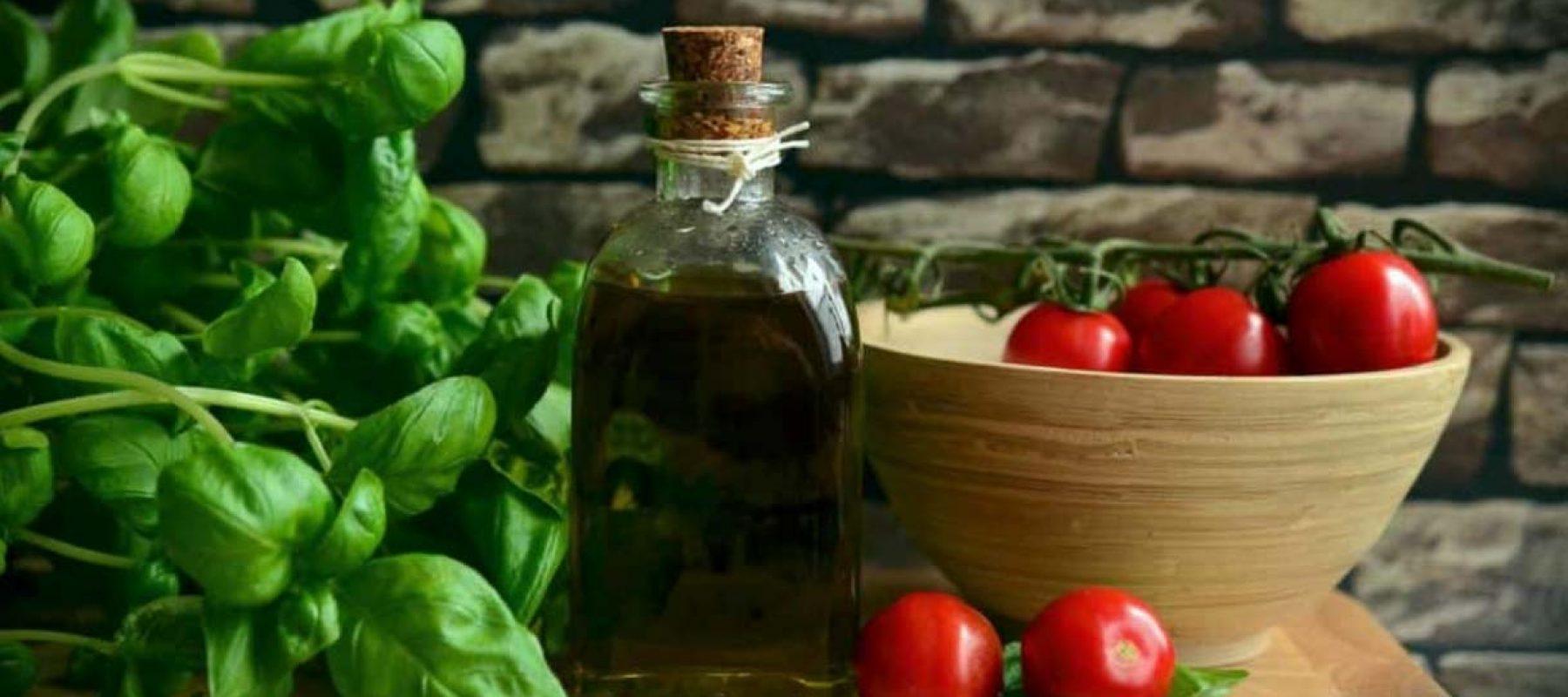 Basilic pour sauce dips
